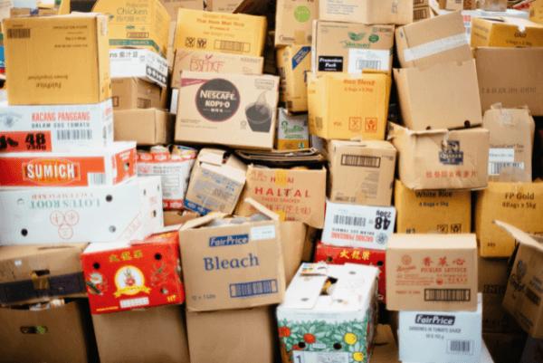 sparta-calgary-movers-unorganized-storage-boxes